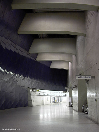 Southwark Underground Station, london,  MacCormac Jamieson Prichard