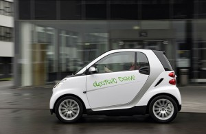 Mercedes Benz Smart cars are rumoured to be working with electric car maker Tesla Motors to power a range of Smart cars