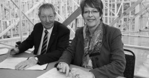 Minister of Housing Hon Dr Nick Smith and Mayor of Wellington Celia Wade-Brown sign a housing accord for Wellington City at Churton Park today
